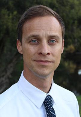 Dr Per Henningsgaard AE