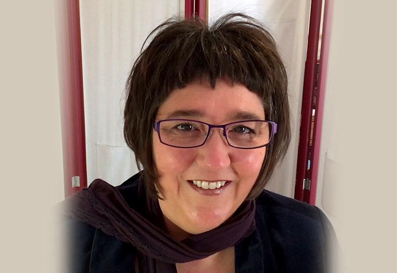 Profile: Dr Linda Nix AE